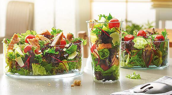 Megújult saláták a Mekiben!